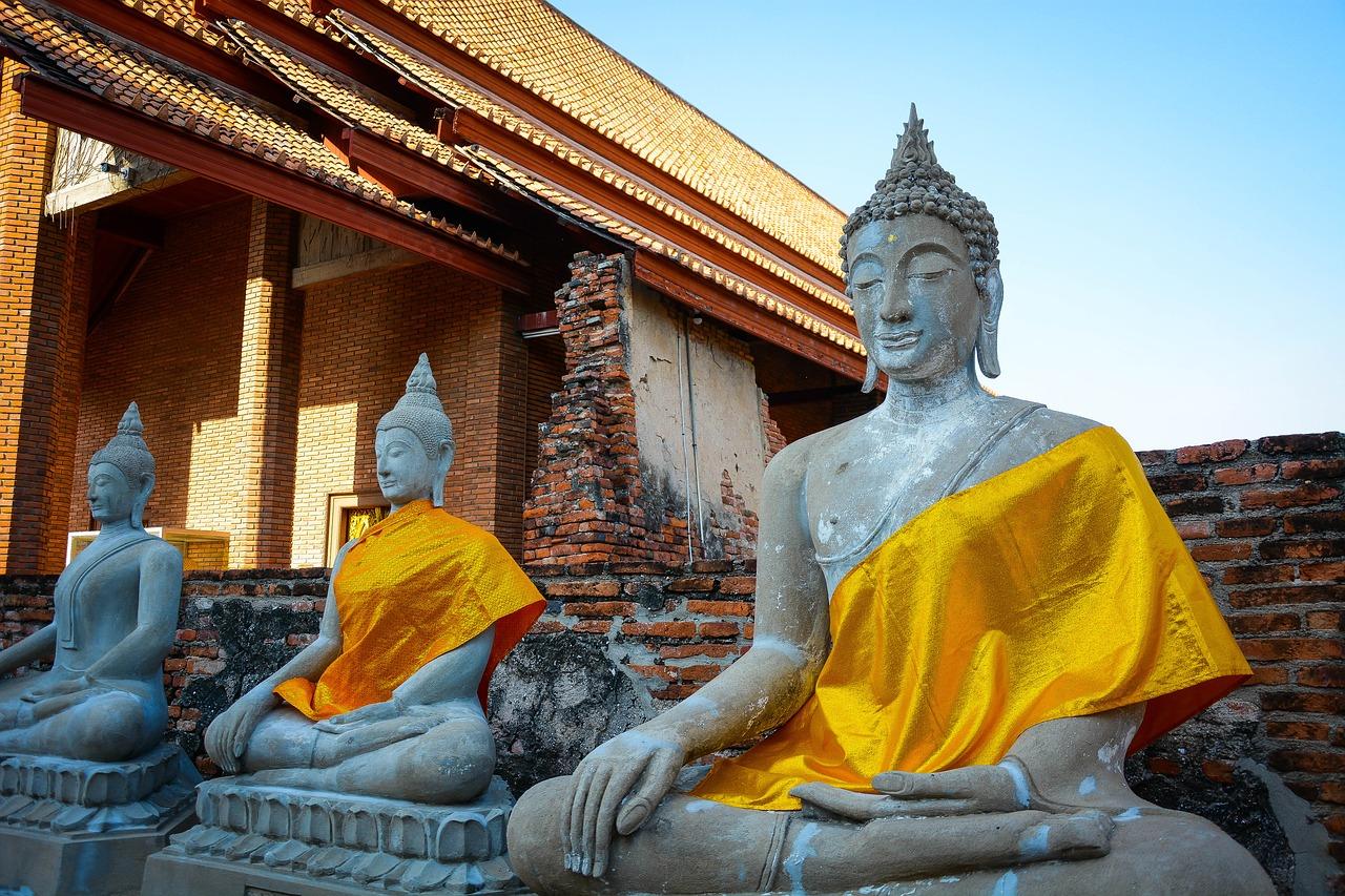 Lama Lodro Lhamo Visit Next Week: Fundraising Dinner and Dharma Talk & Green Tara Teaching and Retreat April 20-22